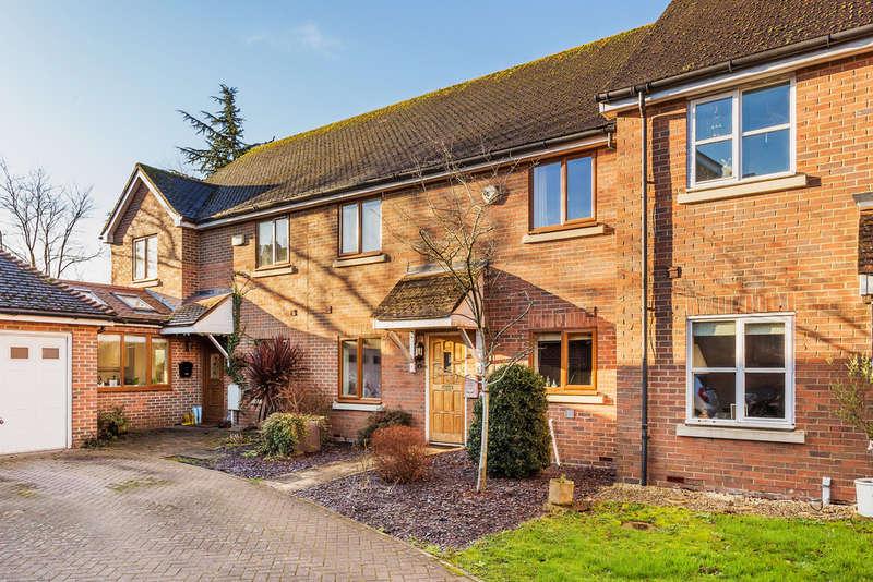 4 Bedrooms Terraced House for sale in Cranbrook Mews, Edenbridge, TN8