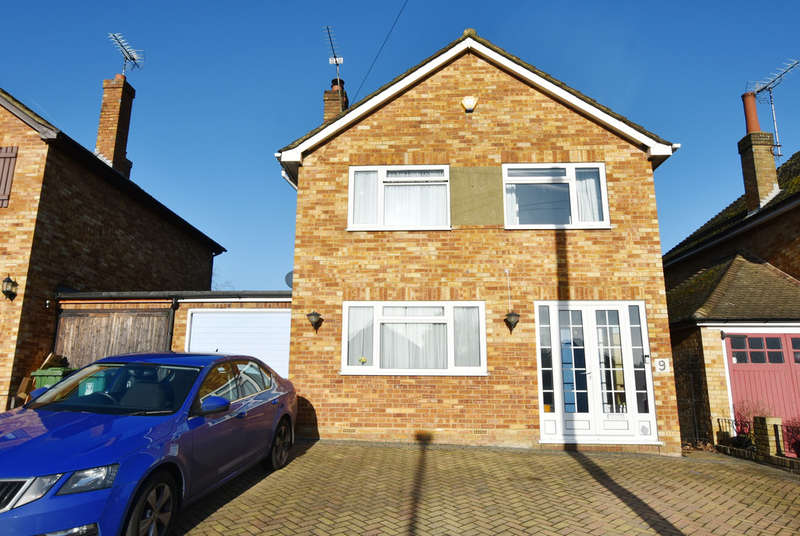3 Bedrooms Detached House for sale in Sheepcot Drive, Watford