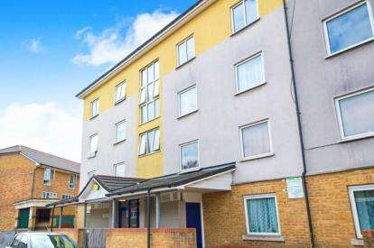 2 Bedrooms Flat for sale in Hollam House, Denmark Road, Haringey, London