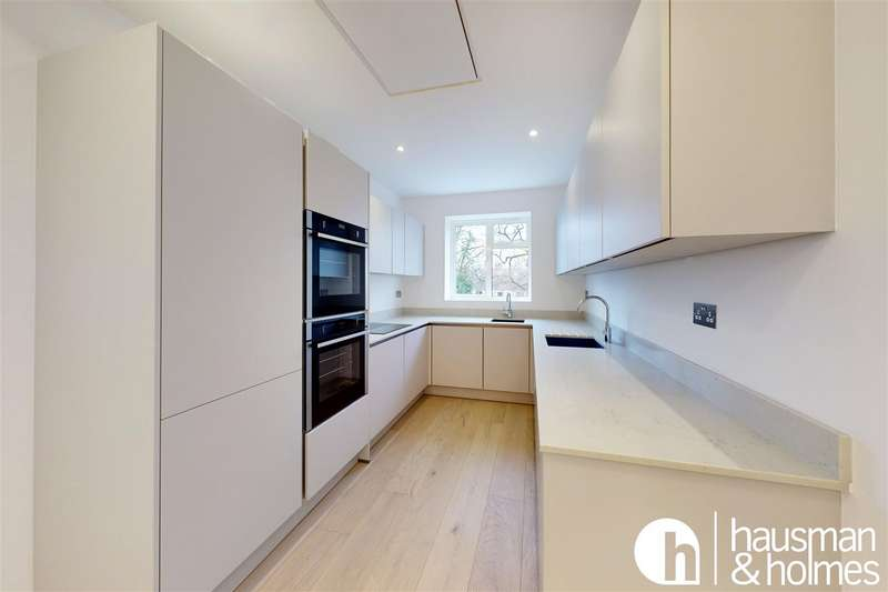 3 Bedrooms Apartment Flat for sale in Golders Gardens, NW11