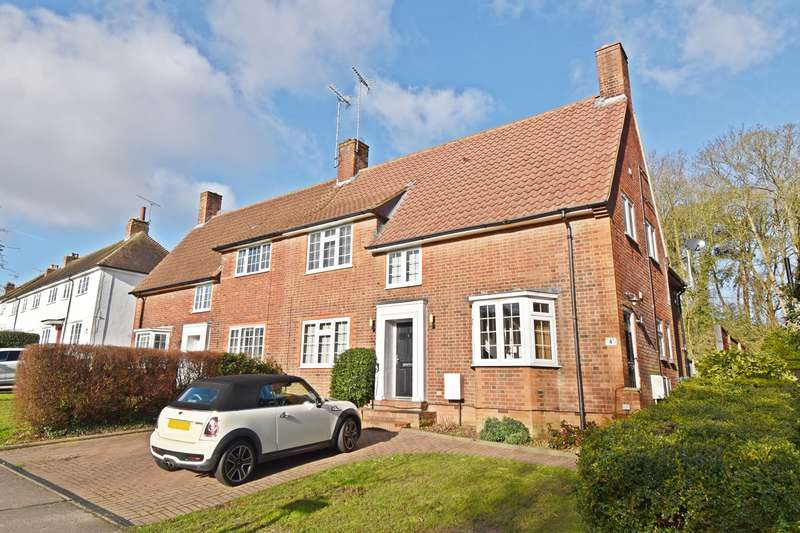 2 Bedrooms Apartment Flat for sale in Brockswood Lane, Welwyn Garden City, AL8