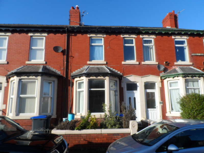 4 Bedrooms Terraced House for sale in Granville Road, Blackpool, FY3 8DW
