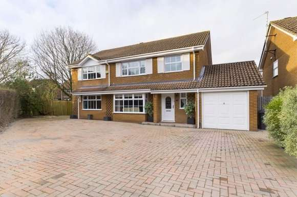 6 Bedrooms Property for sale in Greenbirch Close, Basingstoke