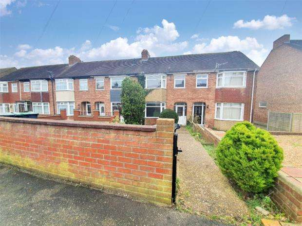 3 Bedrooms Terraced House for sale in Park Road, Gosport, Hampshire