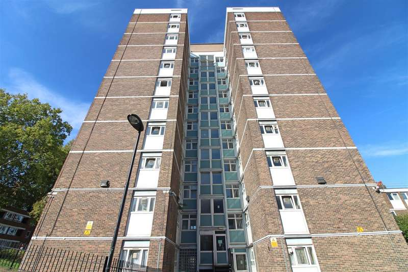 2 Bedrooms Flat for sale in Regents Court, Pownall Road, London