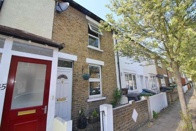 3 Bedrooms Terraced House for sale in Queens Road, Waltham Cross, Herts, EN8