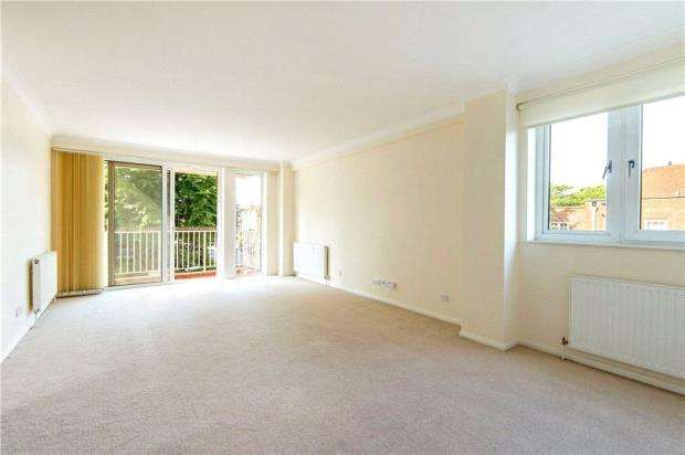 2 Bedrooms Apartment Flat for sale in Blair Court, Boundary Road, London, NW8