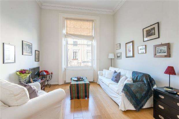 2 Bedrooms Apartment Flat for sale in Belsize Square, Belsize Park, London, NW3