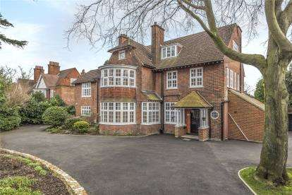4 Bedrooms Flat for sale in Deodar House, 4 Pines Road, Bromley
