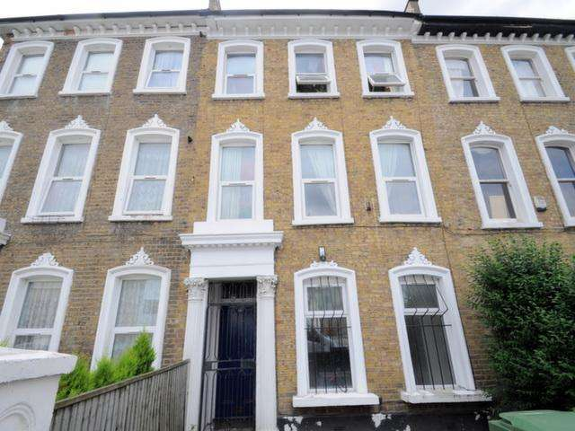 5 Bedrooms Terraced House for sale in Glengall Road, London, SE15 6NH