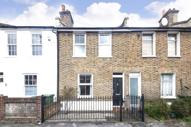 2 Bedrooms Terraced House for sale in Brightfield Road London SE12