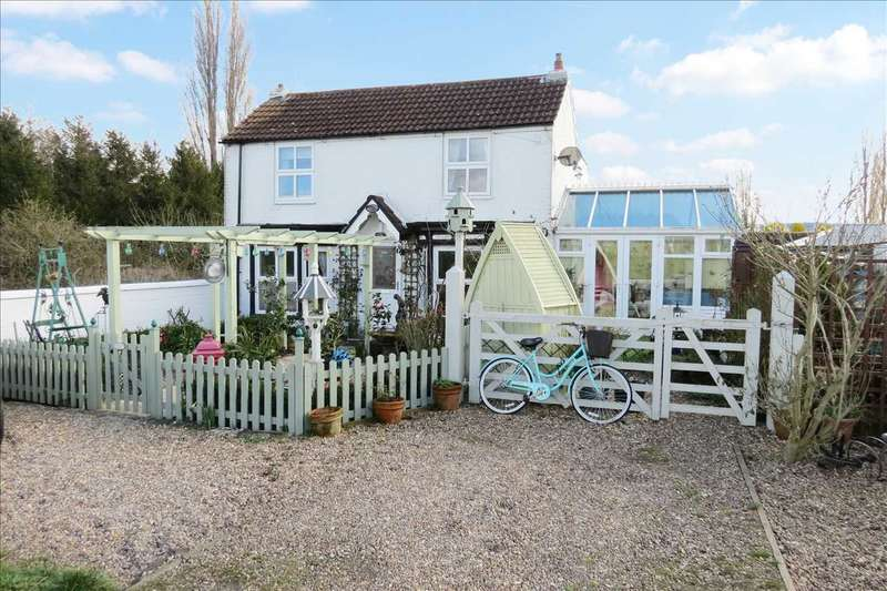 3 Bedrooms Detached House for sale in Myrtle House, Tattershall Road, Billinghay