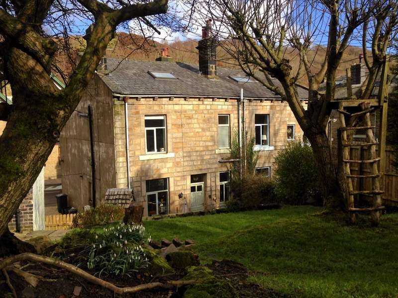 4 Bedrooms Semi Detached House for sale in Burnley Road, Todmorden, West Yorkshire, OL14