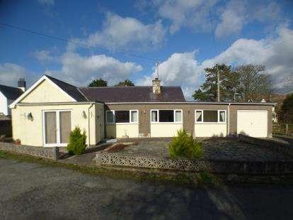 3 Bedrooms Bungalow for sale in Holborn Court, Nefyn, Pwllheli, Gwynedd, LL53