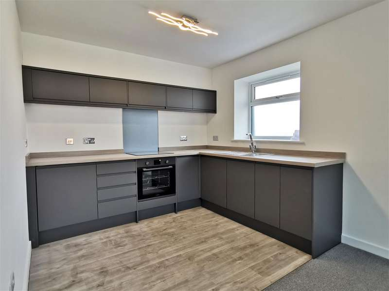 2 Bedrooms Flat for sale in Milton Road, Southsea