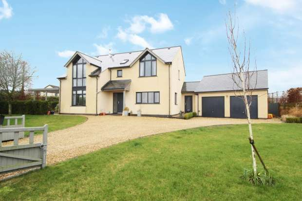 Detached House for sale in Chapel Lane, Churcham, Gloucestershire, GL2 8AR