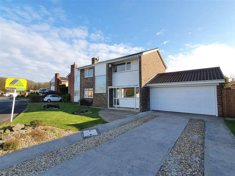 4 Bedrooms Detached House for sale in Greenwich Drive, Lytham