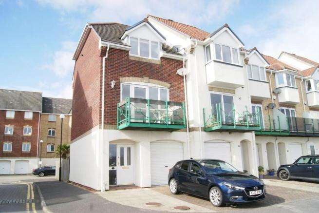 2 Bedrooms Property for sale in Pacific Close, Ocean Village, Southampton, Hampshire