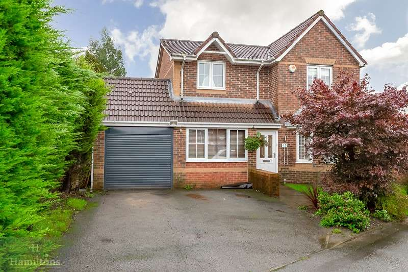 3 Bedrooms Detached House for sale in Loweswater Road, Farnworth, Bolton, Greater Manchester. BL4 0PL