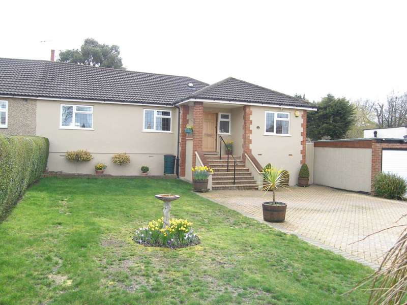 4 Bedrooms Bungalow for sale in Chiltern Avenue, Bushey