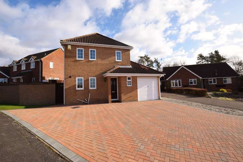 4 Bedrooms Detached House for sale in Roman Way, Haverhill