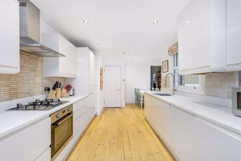 4 Bedrooms Terraced House for sale in Nealden Street, Clapham, London