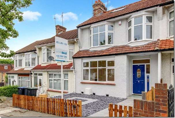 4 Bedrooms Property for sale in Evesham Road, Bounds Green, London