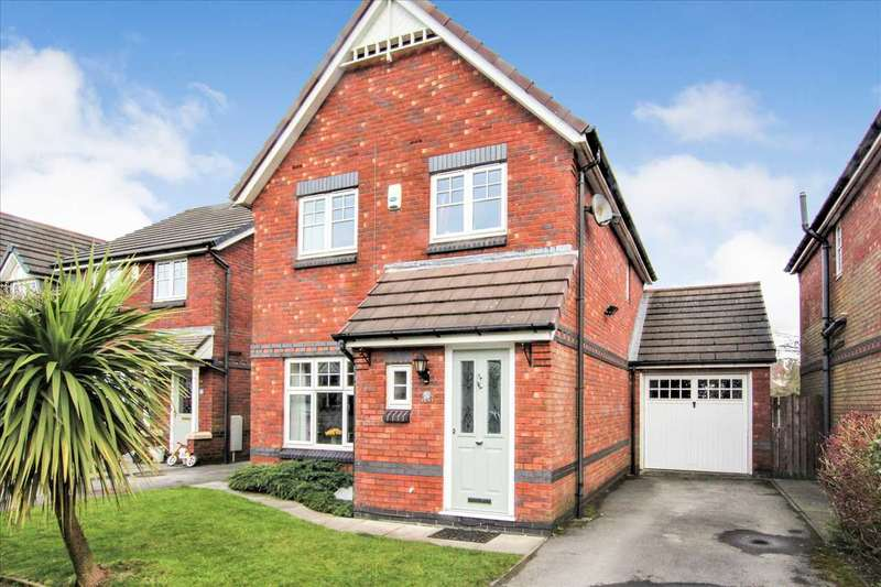 3 Bedrooms Detached House for sale in Glazebury Drive, Westhoughton