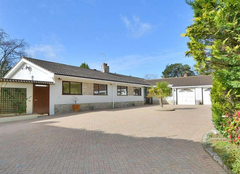 3 Bedrooms Detached Bungalow for sale in Pringles Drive, Ferndown, Dorset, BH22 8BN