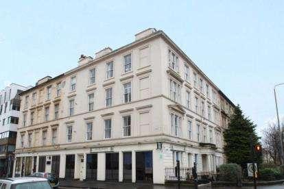 3 Bedrooms Flat for sale in Elderslie Street, Charing Cross, Glasgow