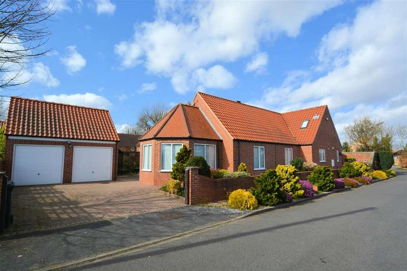 3 Bedrooms Detached House for sale in Lynton Close, Brayton