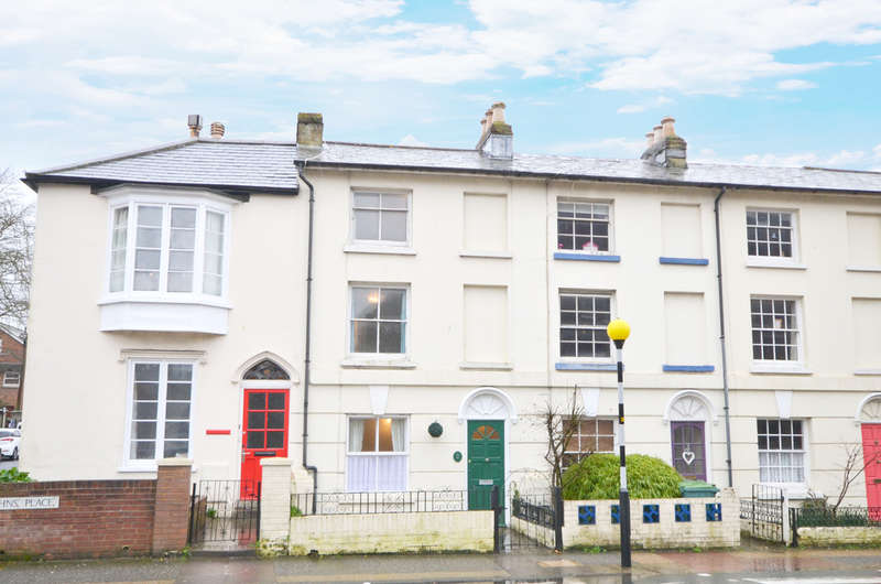 4 Bedrooms Town House for sale in Newport, Isle Of Wight