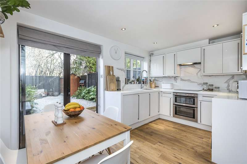 2 Bedrooms Terraced House for sale in Hither Farm Road, London, SE3
