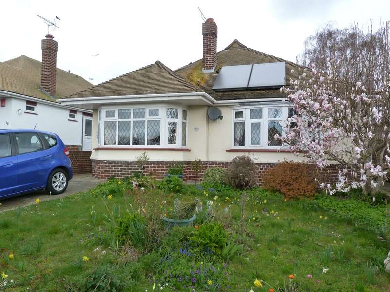 2 Bedrooms Detached Bungalow for sale in Harmsworth Gardens, Broadstairs, CT10