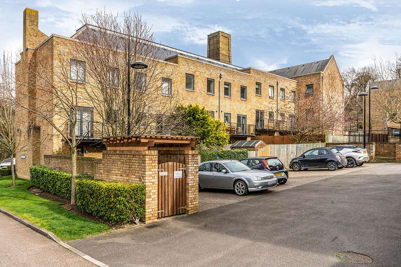 2 Bedrooms Apartment Flat for sale in Marc Brunel Way, Chatham, Kent, ME4