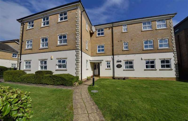 2 Bedrooms Flat for sale in Great North Way, Hendon, London
