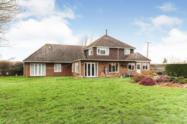 5 Bedrooms Bungalow for sale in Coolham, Horsham, West Sussex