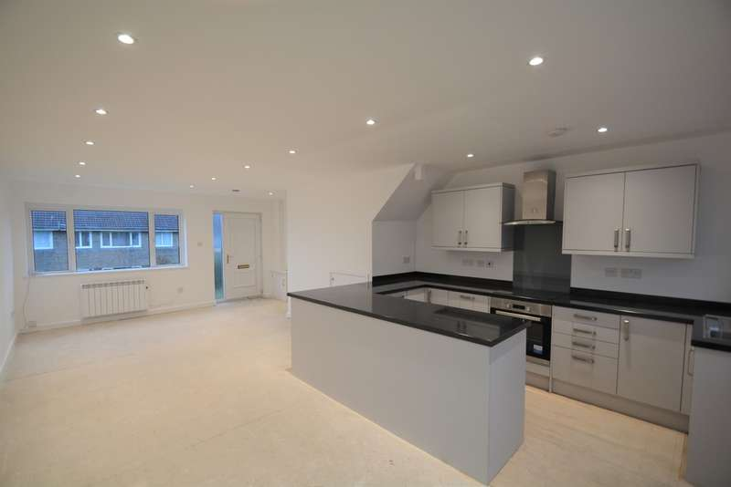 3 Bedrooms Terraced House for sale in Fraser Close, Cowes