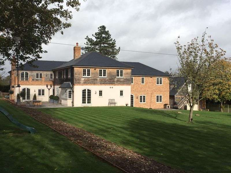 7 Bedrooms Property for sale in School Lane, Winchester