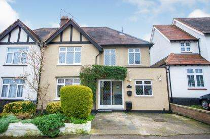 3 Bedrooms Semi Detached House for sale in Welbeck Road, Barnet, Herts, .