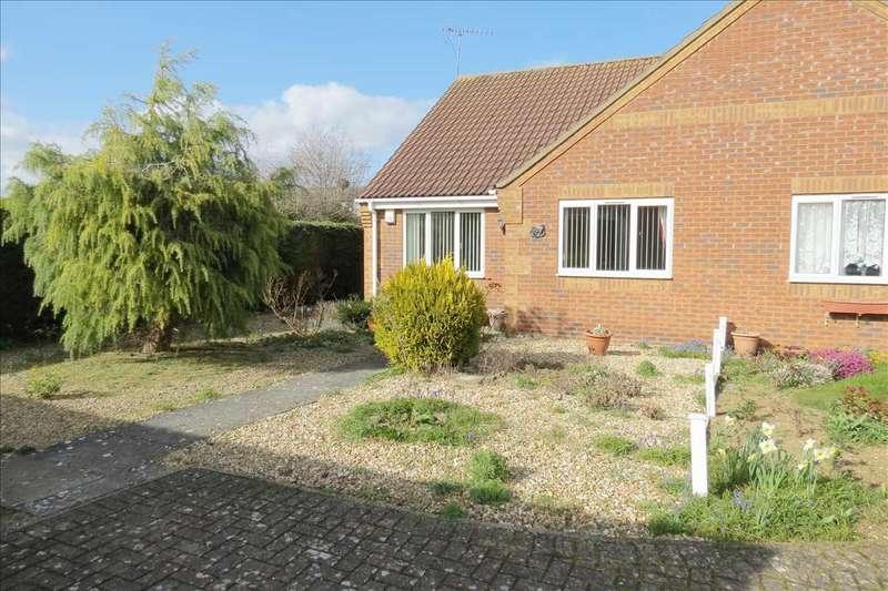 2 Bedrooms Semi Detached Bungalow for sale in Elmtree Road, Ruskington
