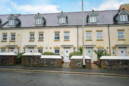 3 Bedrooms Terraced House for sale in Beacon Park, Plymouth, Devon
