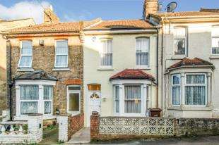 3 Bedrooms Terraced House for sale in Dale Street, Chatham, Kent