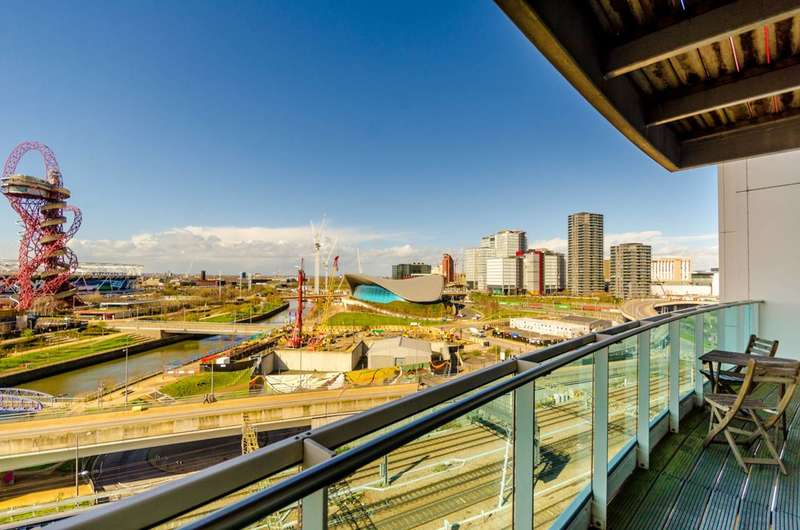 2 Bedrooms Flat for sale in Icona Building, Stratford, E15