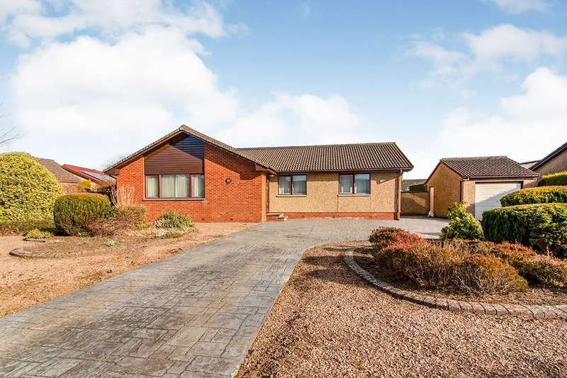 4 Bedrooms Detached Bungalow for sale in Borrowfield Crescent, Montrose, DD10