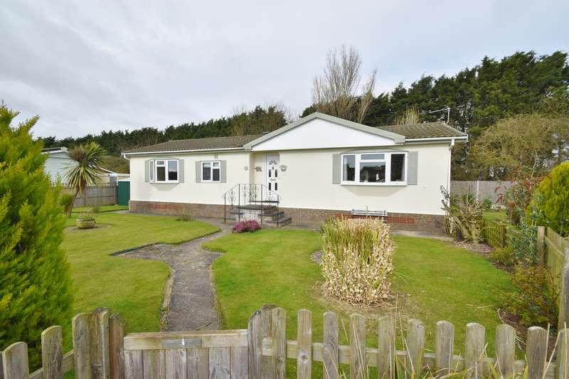 3 Bedrooms Park Home Mobile Home for sale in Herron Close, Skegness, PE25