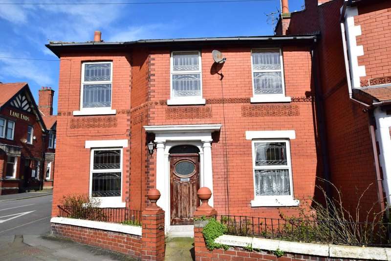 3 Bedrooms House for sale in Weeton Road, Wesham, PR4 3BQ