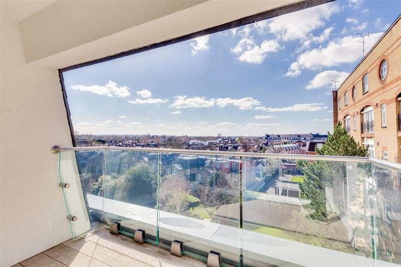 3 Bedrooms Flat for rent in Devonhurst Place, Heathfield Terrace, W4