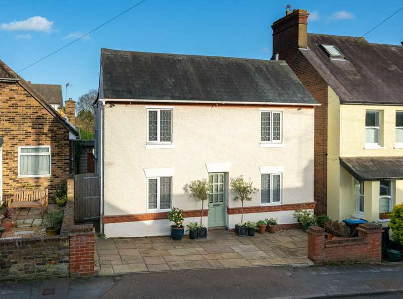 3 Bedrooms Detached House for sale in POPULAR BOXMOOR LOCATION, Basement, 3 BATHROOMS