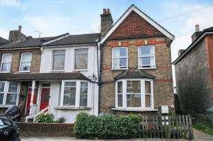 2 Bedrooms Maisonette Flat for sale in Tylney Road, Bromley, .